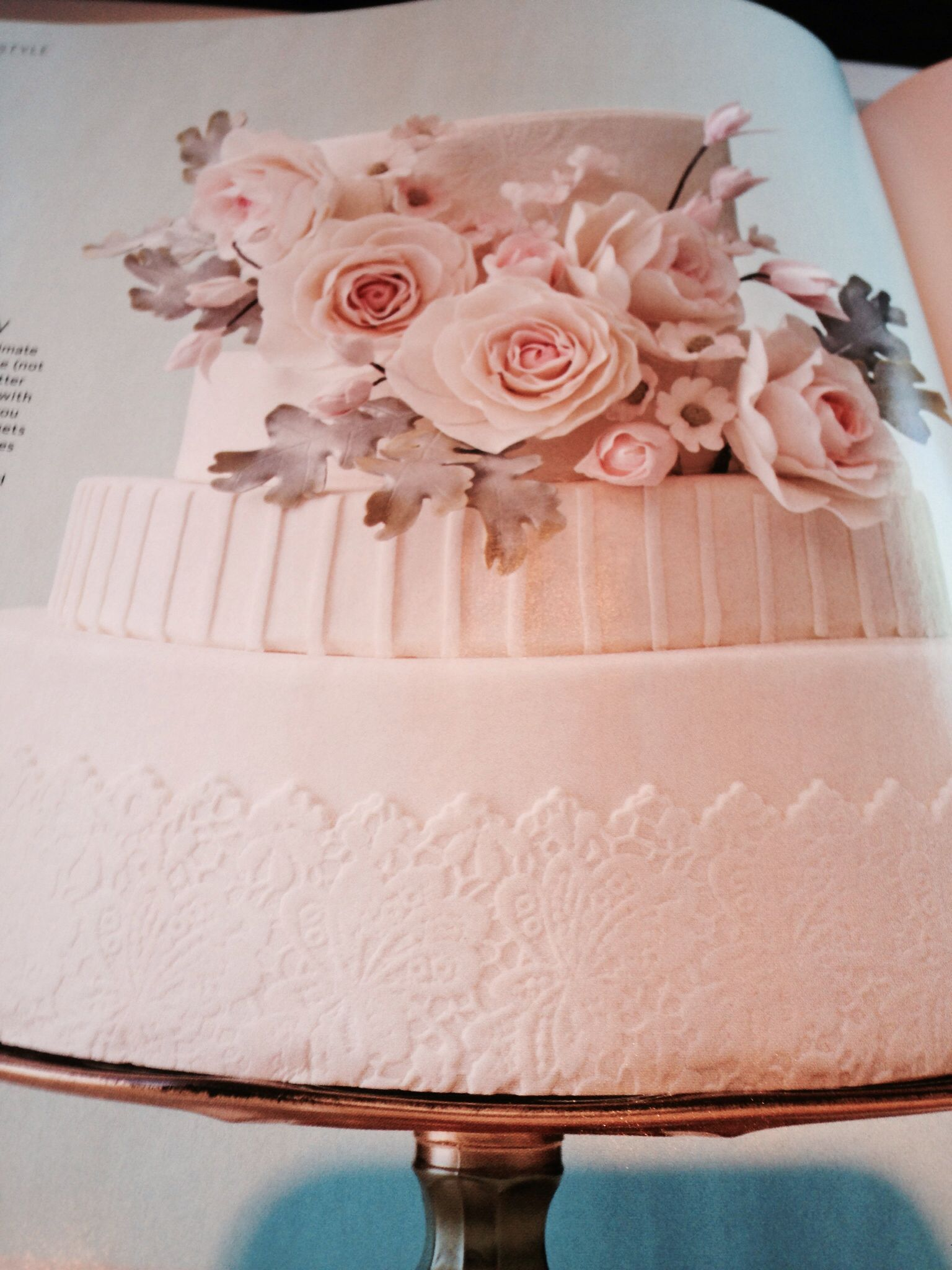Wedding cake w sugar lace, one swoop of flowers | We\'re getting ...
