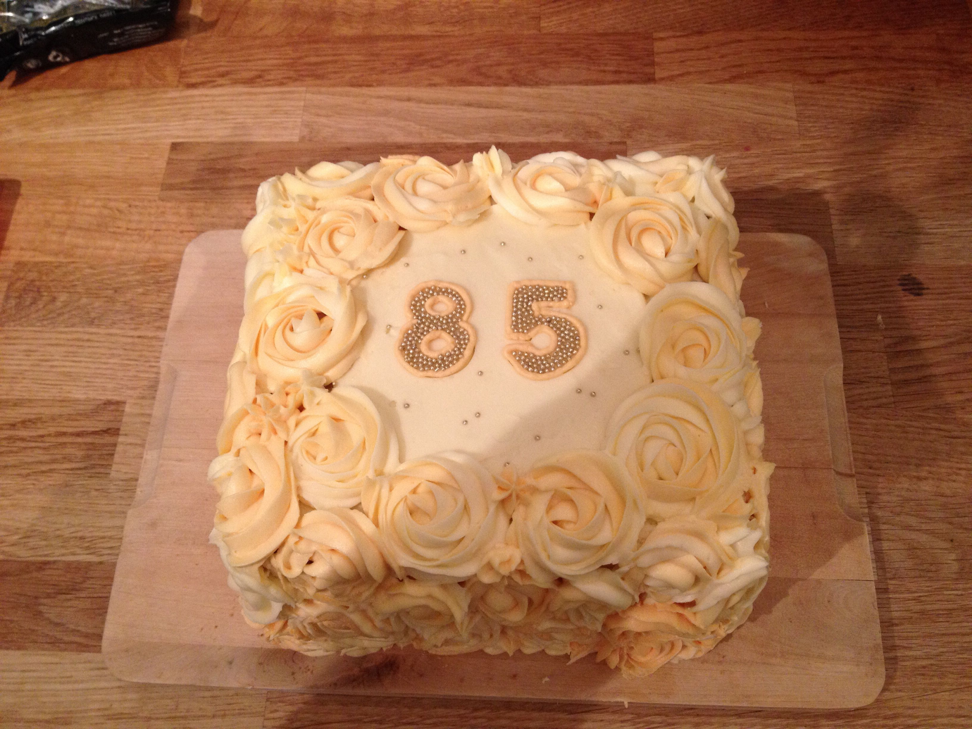 Nanny S 85th Birthday Cake With Images Themed Cakes Kids Cake