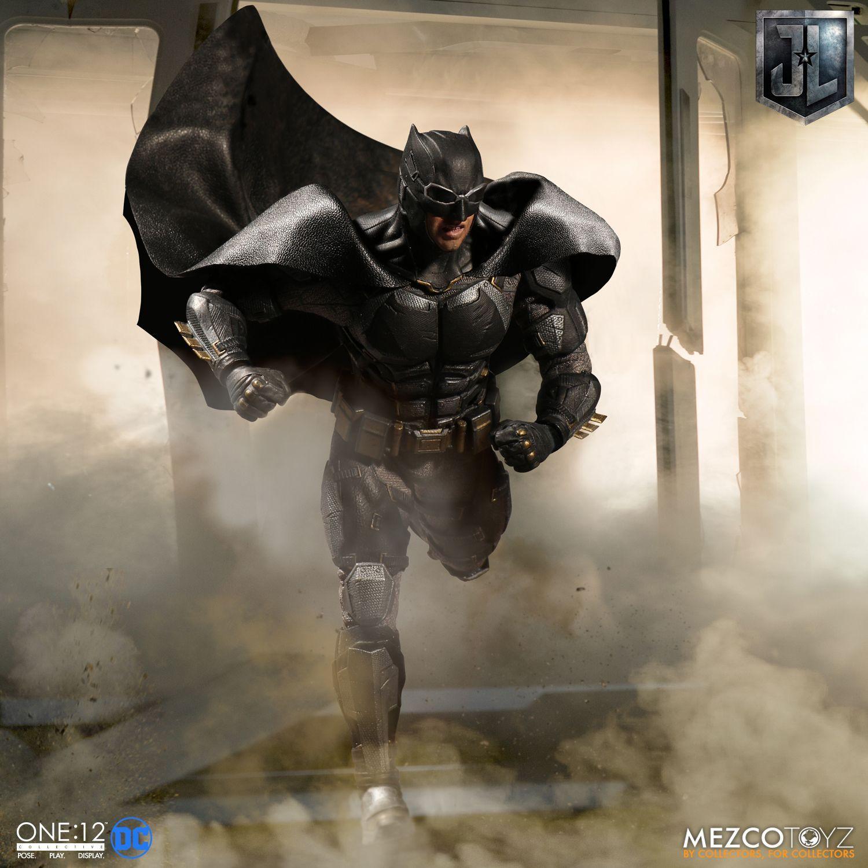 Mezco One12 Justice League Tactical Suit Batman Collectables