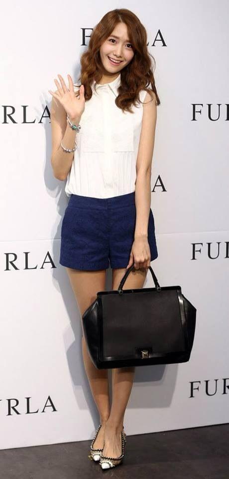 Yoona, so pretty!