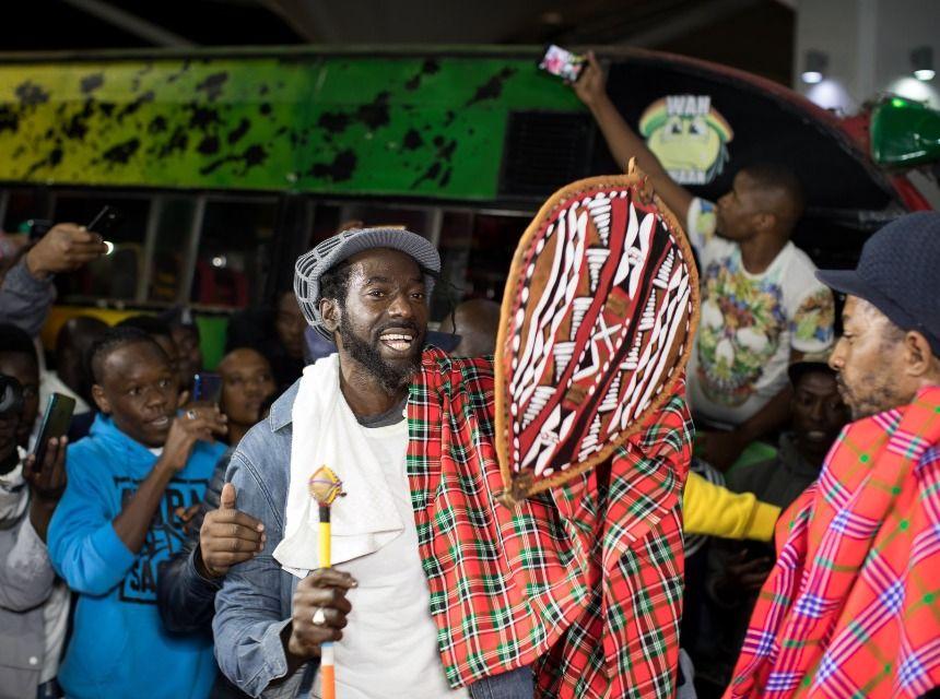 beautiful sights & sounds as Buju Banton lands in Kenya in