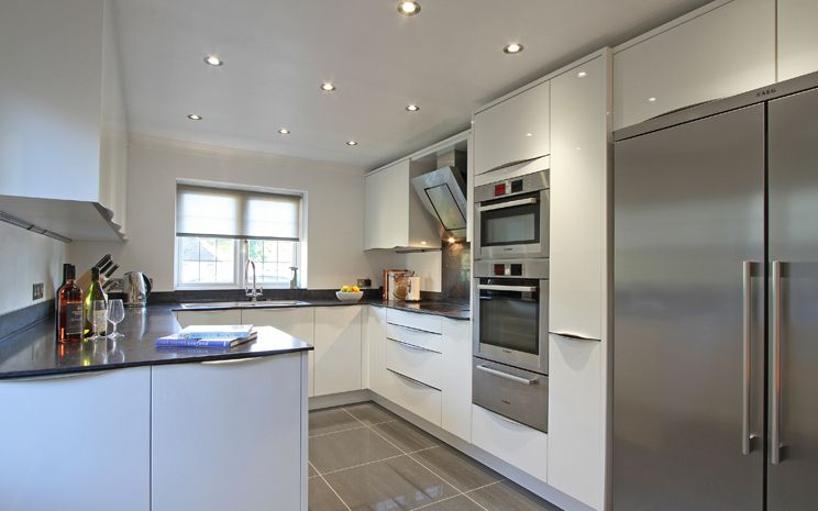 Rotpunkt Lucido White High Gloss Kitchen In Medstead
