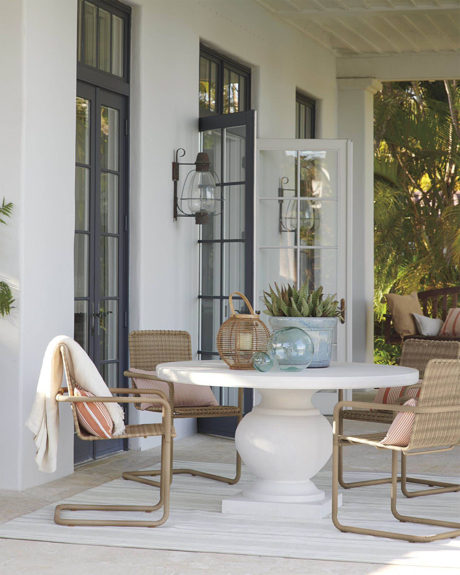 Wonderful Outdoor Dining Area Design And Decorating Ideas: St. Martin Perennials®️ Outdoor Rug
