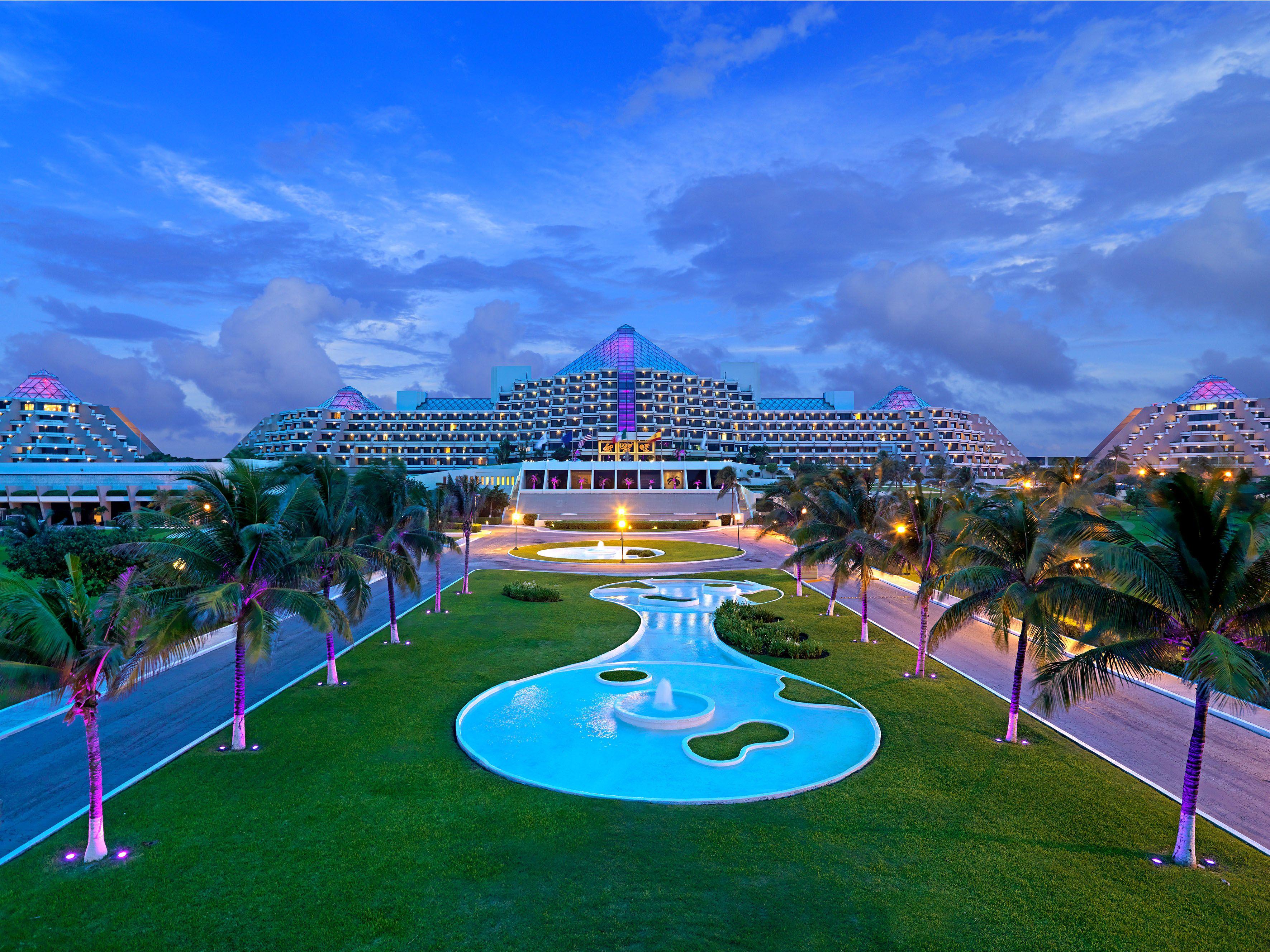 Family The Paradisus Cancun Hotel Romancetravel Follow Us On Instagram