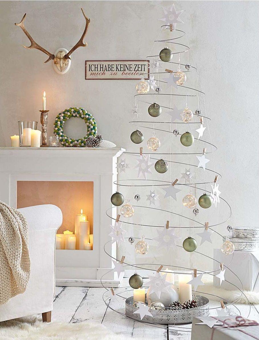 spiralf rmiger weihnachtsbaum f r die zimmerdecke. Black Bedroom Furniture Sets. Home Design Ideas