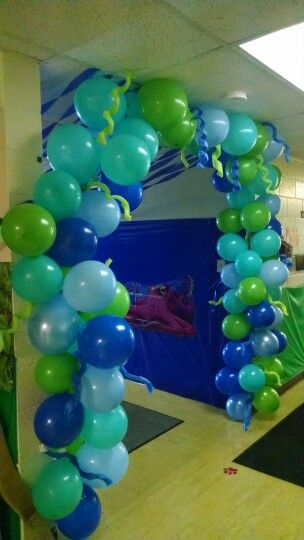 Balloon Arch for underwater themed Weird Animals VBS hallway.  Balloons and Pool Noodles