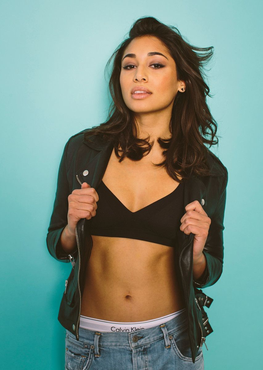 photo Meaghan rath taking a selfie in a mirror