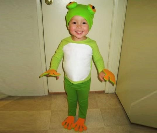 DIY Halloween DIY Costumes :DIY Animal Costume : DIY Make an Easy Eco-Friendly Frog Halloween Costume