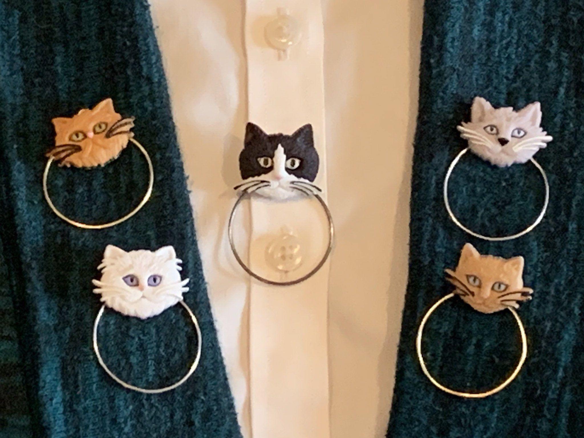 Eyeglass Holder Sunglasses Holder Badge Holder Kittens Kitten Cats Cat Felines Feline Face Price Reduced In 2020 Sunglass Holder Eyeglass Holder Badge Holders