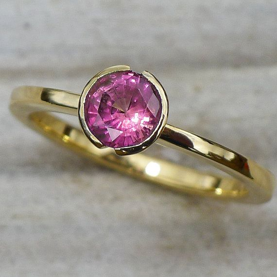 Mauve Sapphire Ring in 18k Yellow Gold by LiliaNashJewelry on Etsy, £660.00