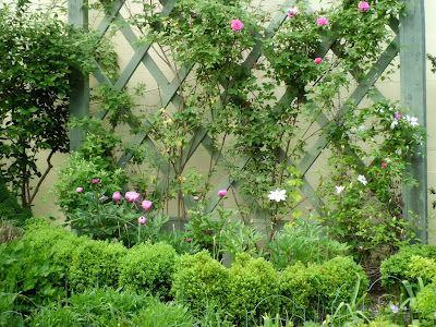 Blogging Away: Whimsical Garden