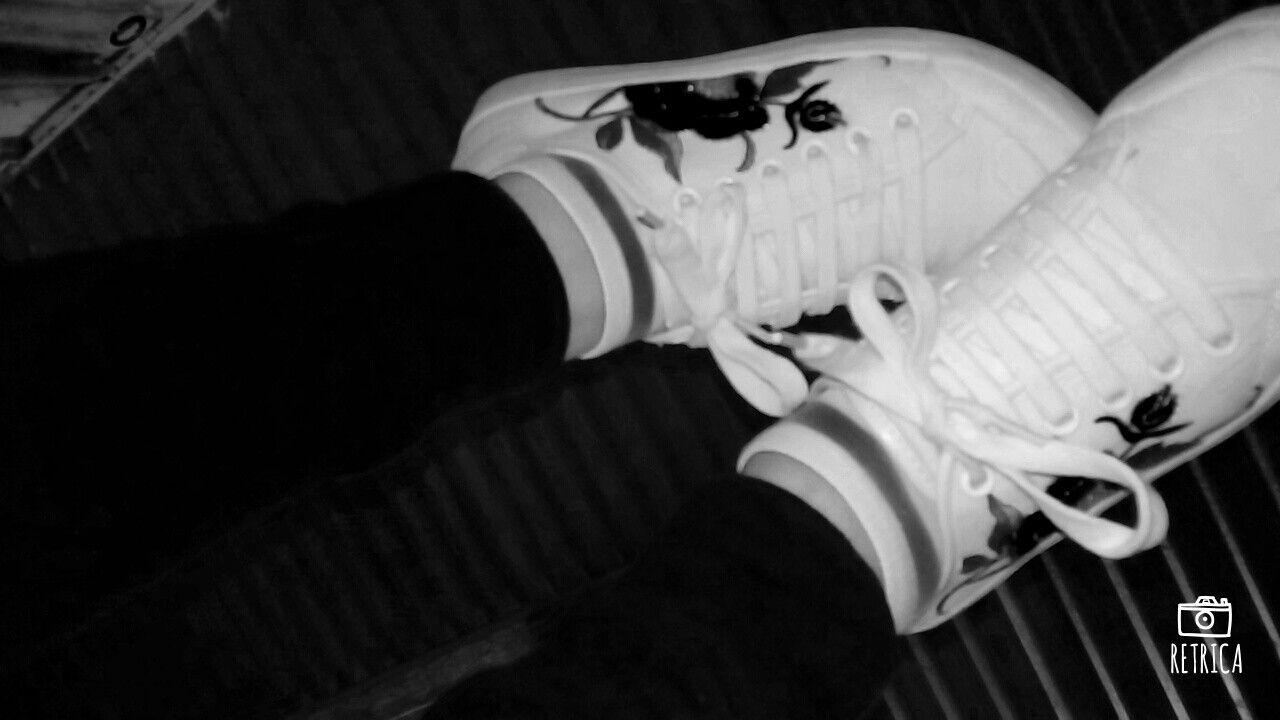 #zapatillas #blancoynegro #casual #urbano #tumblr
