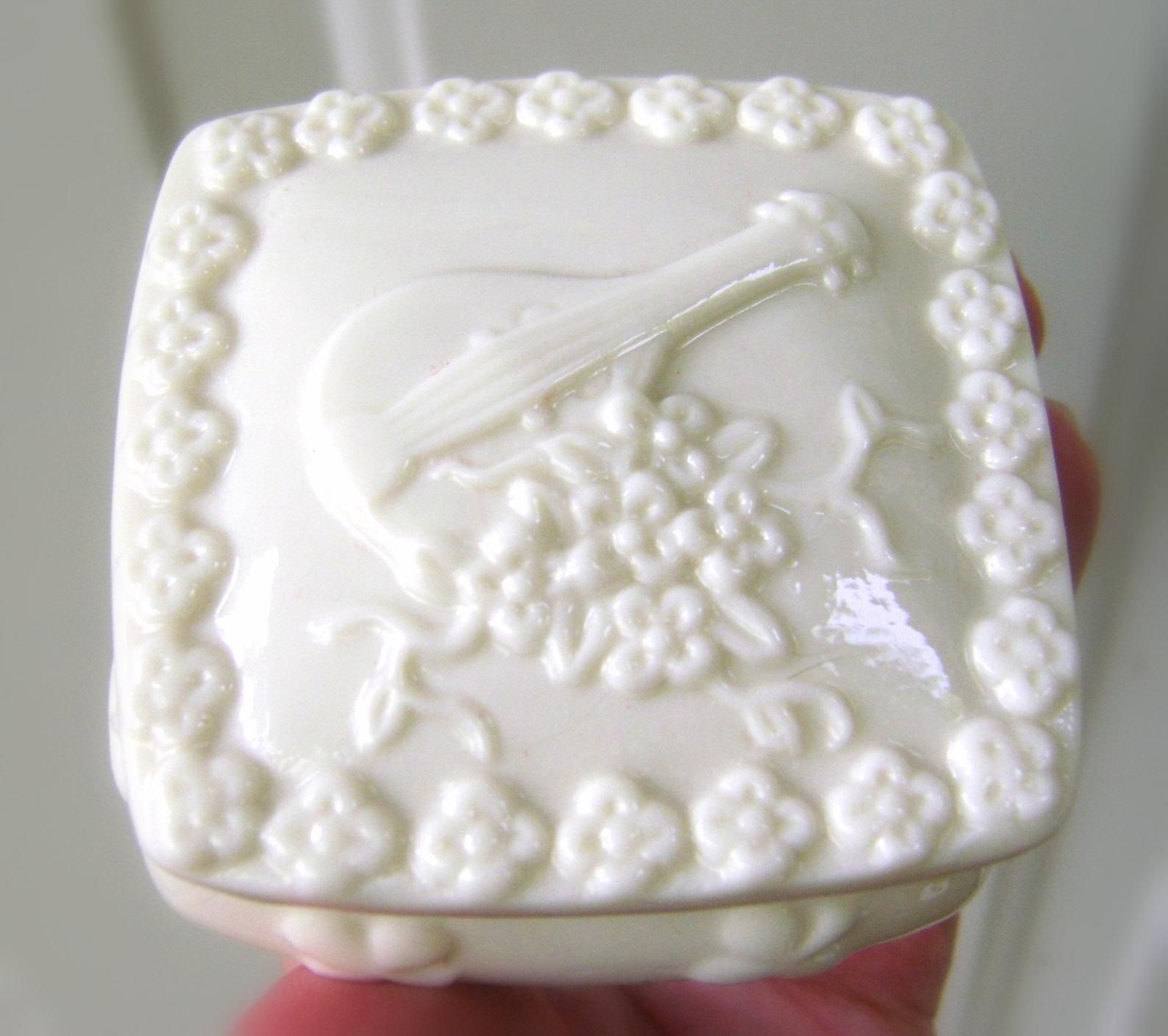Vintage Milk Glass White Keepsake Trinket Box Grape Celtic
