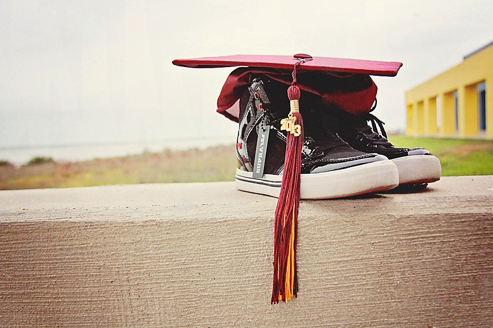 Senior's Graduation photoshoot, Photography jobs, Cap