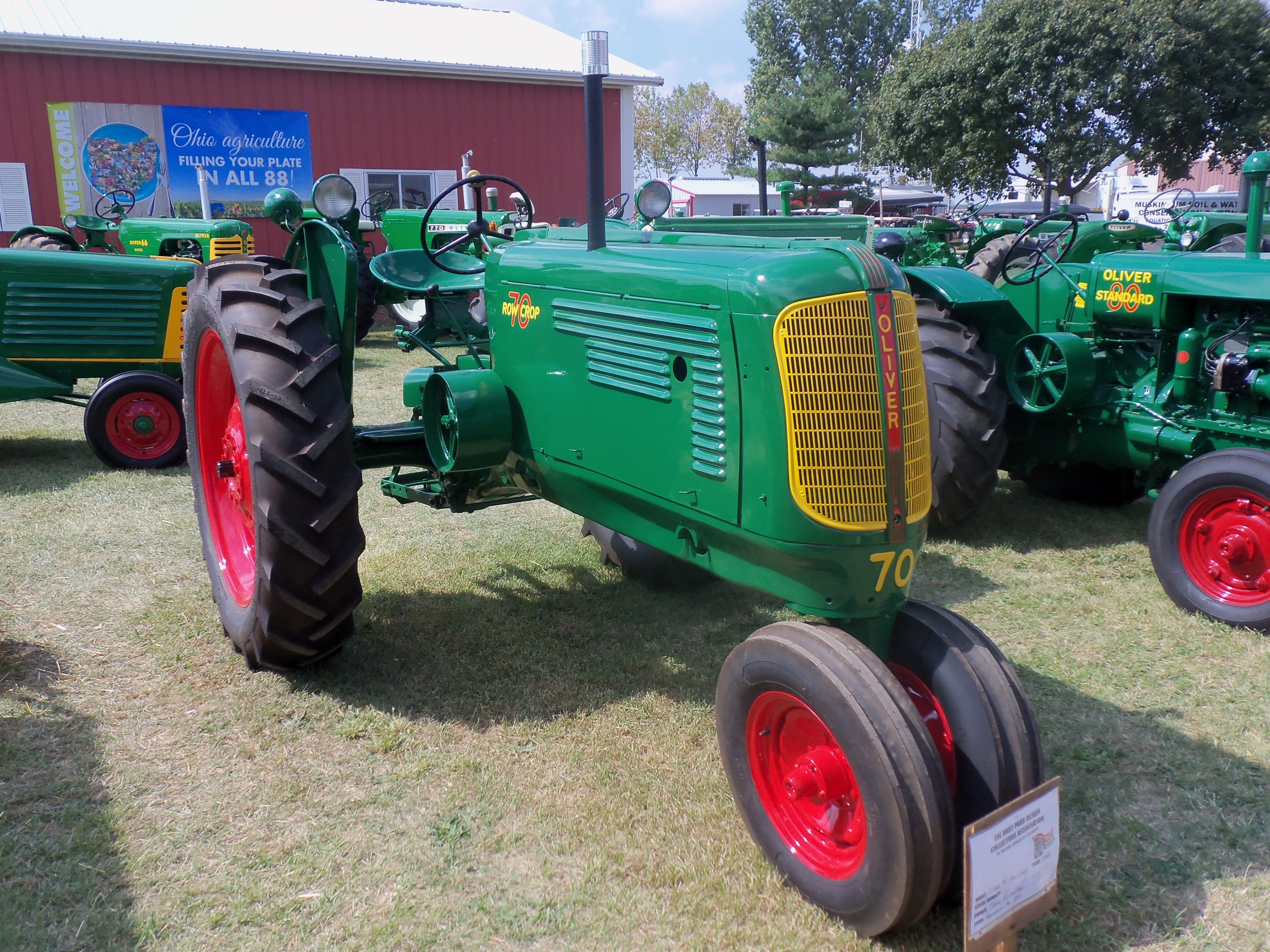 Oliver 70 Row Crop Old Farm Equipment Tractors Oliver Tractors
