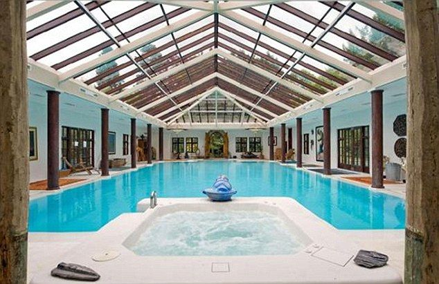 Indoor pool log cabin 39 s and features mansions - Log cabins with indoor swimming pools ...