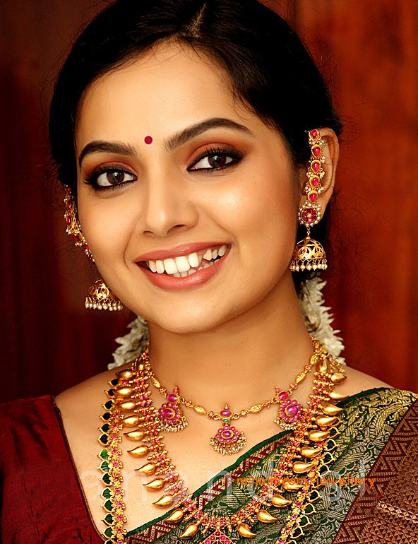 Samvritha Sunil Wearing Kerala Traditional Jewellery More From