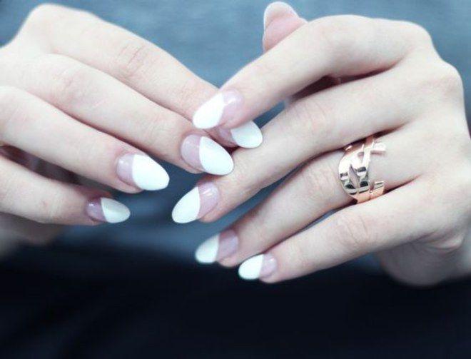 Manicure negativa: a nail art tendência