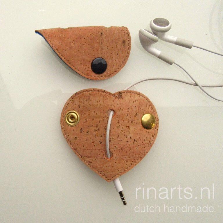 Een persoonlijke favoriet uit mijn Etsy shop https://www.etsy.com/listing/257337721/earbuds-earphone-headphone-cable