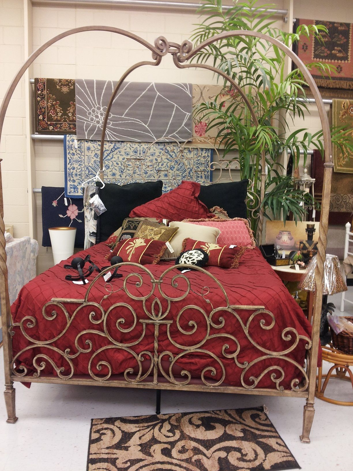 Beautiful Canopy Bed House rooms, Beautiful bedding