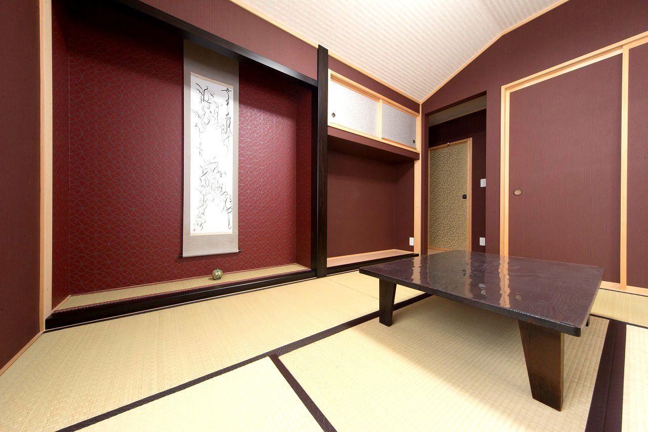 和室は奥様こだわりの空間 壁紙や襖の色選びにも時間をかけて 一番