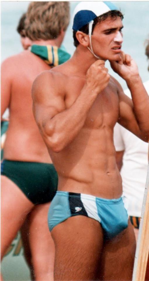 Afbeeldingsresultaat voor cute swimmer dude   moving males