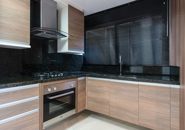 die besten 25 granito preto s o gabriel ideen auf pinterest schwarzer granit k che schwarzer. Black Bedroom Furniture Sets. Home Design Ideas
