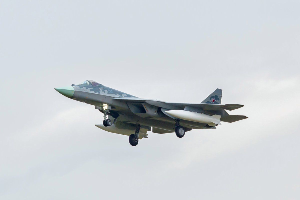 Airplane T-50-11 arrived in Zhukovsky 43