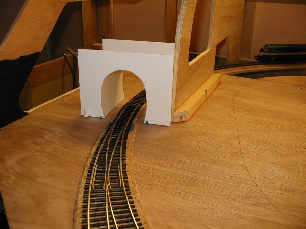 tunnel en carton mousse carton plume d cor train miniature ho train train electrique. Black Bedroom Furniture Sets. Home Design Ideas