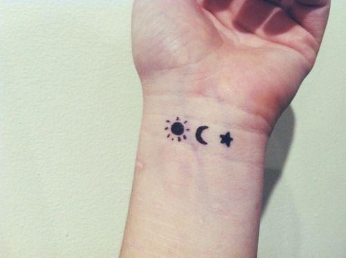 Un Sol Una Luna Y Una Estrella Tattoos Tatuajes De Luna