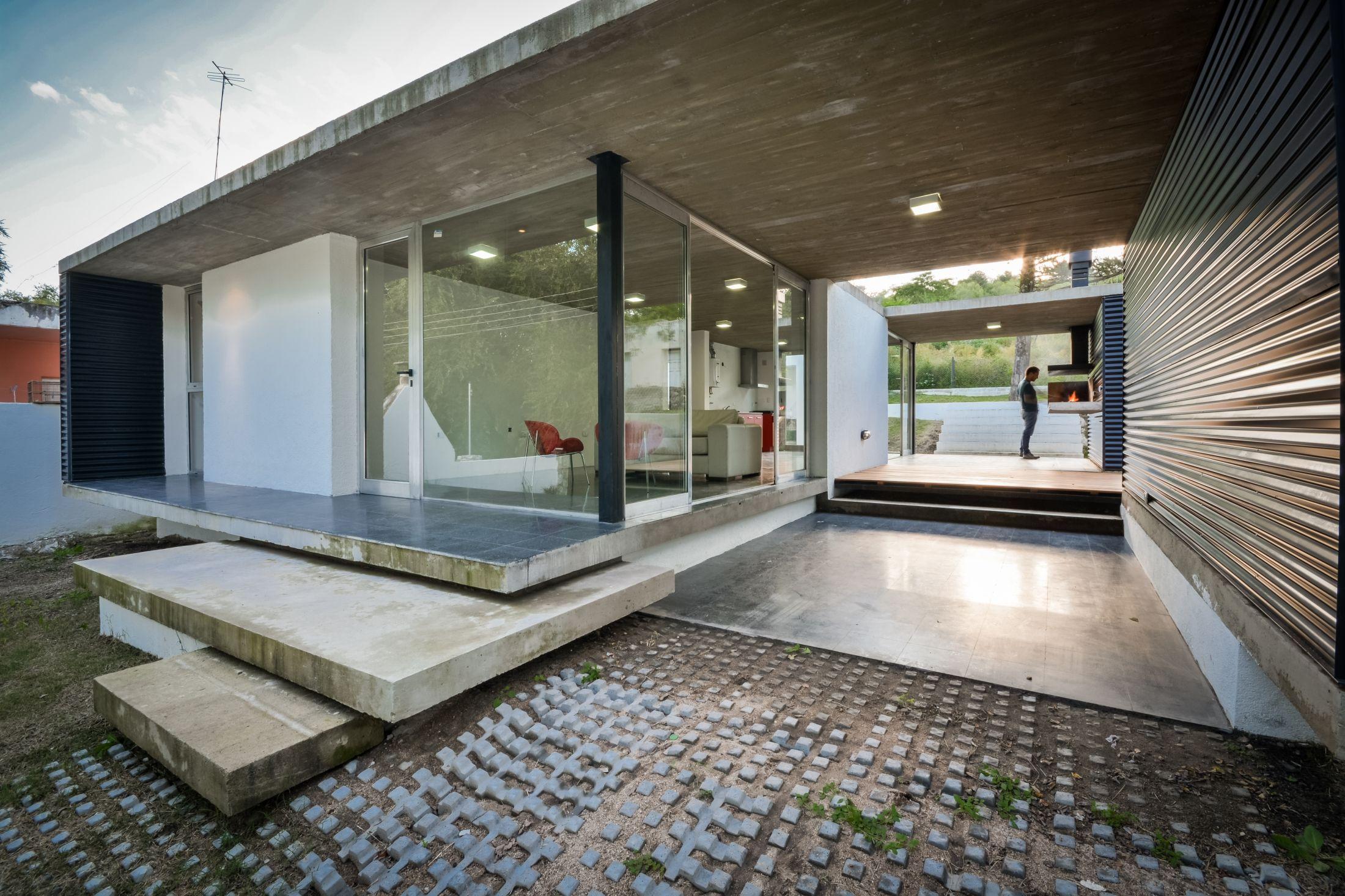 Transparenter Container: Wohnhaus in Alta Gracia | Maison ...