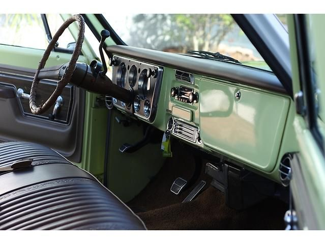 1972 Chevy C20 Interior This One Has A C Which You Could Get As An Option Back In The Day Today You Can Get Bolt In C10 Chevy Truck Jeep Interiors Chevy