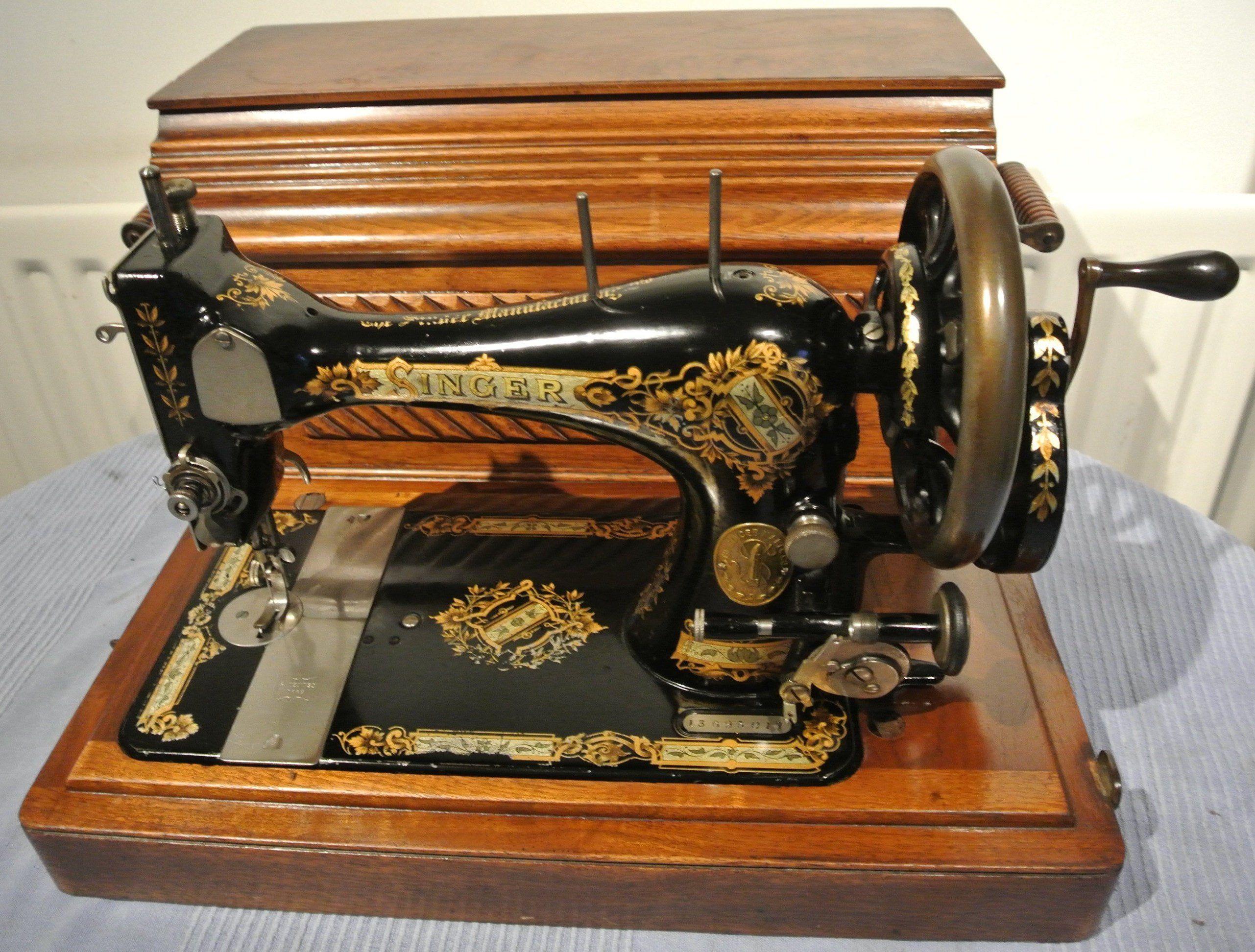 1896 Singer 28k Handcrank Antique Sewing Machine With Victorian Decals Vintage Home Decor Vintage Dresses Cushion Dollsewing Singer Sewing Machine Vintage Antique Sewing Machines Sewing Machine