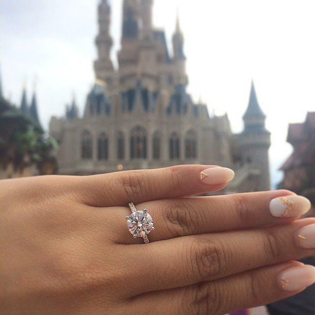 Neil Lane dá dicas para comprar o melhor anel solitário e que toda noiva  sonha e nós da Waufen fizemos questão de listar todas as dicas dadas por  ele! 3d1c4ea050