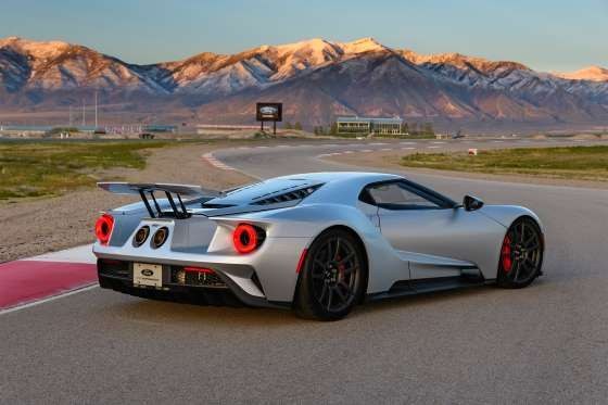 Under The Skin Of The Ford Gt 8 Cool Facts About The 647 Hp Supercar Ford Gt Gt Cars Sports Cars