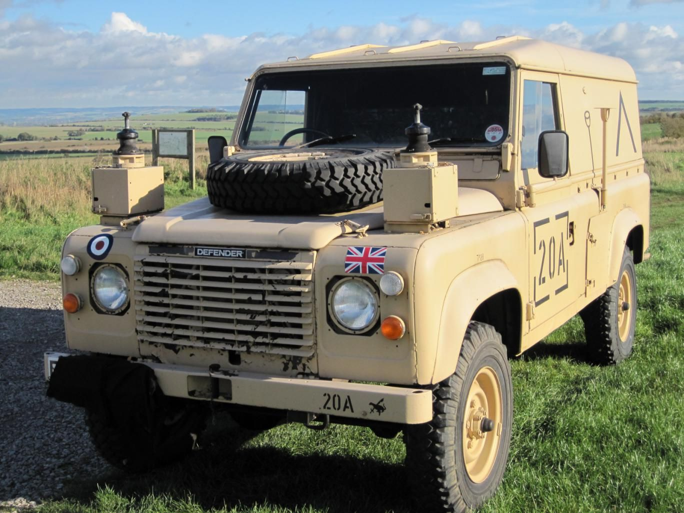 spent front it panther defender landrover brakes williams on for mechanically truck reg h months with getting back recently perfect mot sale ifor cab including rover had pink new land