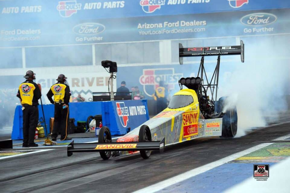 Spencer Massey & Crew Race the Sandvik Red fuel Dragster in the 2015 phoenix nationals