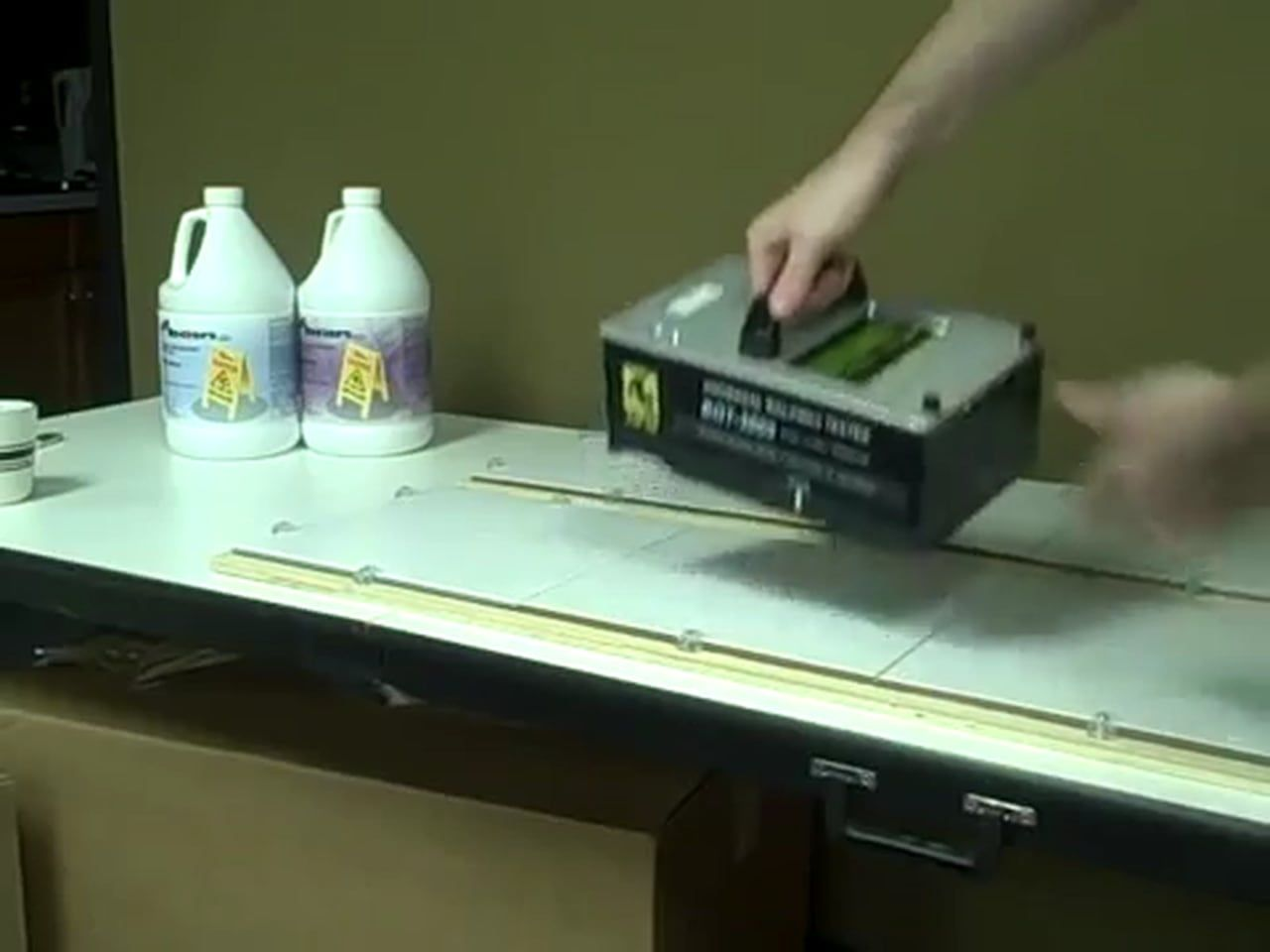 Anti slip slippery tile treatment testing demo online scof dcof for floor safety friction measurements antislip slipperytile treatment testing on dailygadgetfo Images