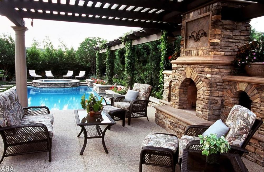 Backyard design modern with patio and swimming pool fun for Swimming pool patio designs