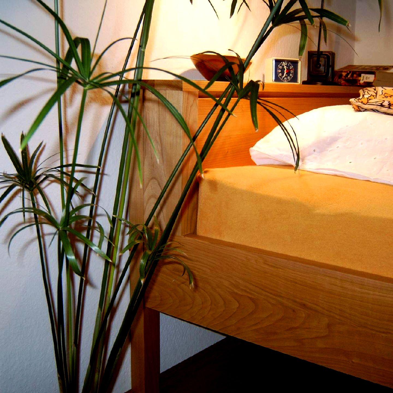 Bett in Kirschbaum Bett, Schlafzimmer, Zimmer