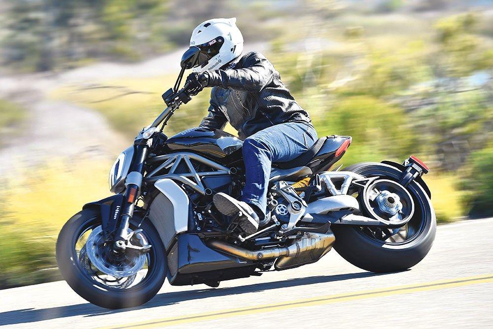 Ducati Xdiavel 2016 On Review Mcn Motorrad Fortbewegung