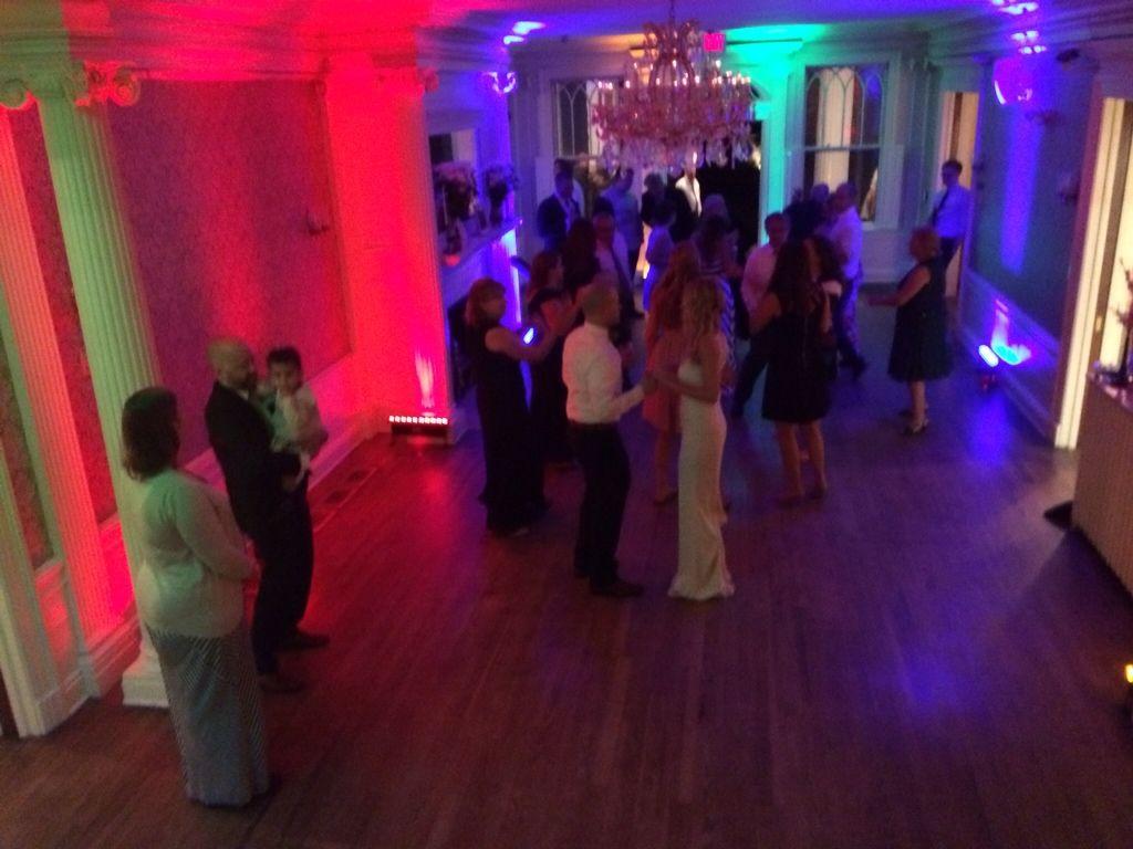 Dj Uplighting Wedding Dinner And Dancing Lounsbury House Ridgefield Ct Dj Mike Ortiz Entertainment Lightin Uplighting Wedding Wedding Dinner Wedding Dj