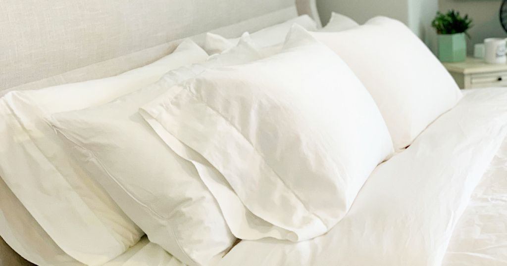 Learn My Tried And True Method For How To Wash White Sheets Without Bleach To Save You Time And Money In 2020 White Sheets Cleaning White Sheets White Wash