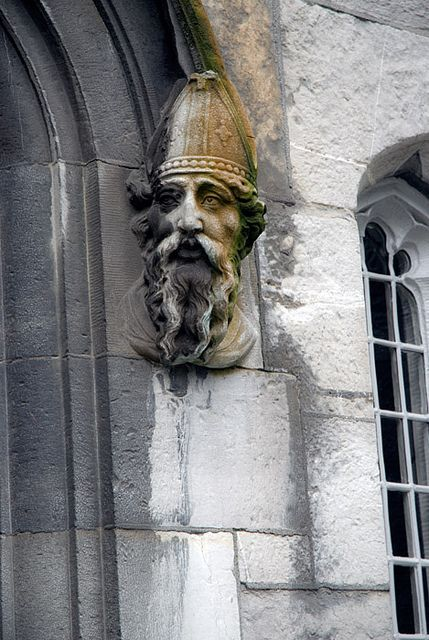 Sculpture of a man\u0027s head on a door in Trinity College Dublin Ireland & Sculpture of a man\u0027s head on a door in Trinity College Dublin ...