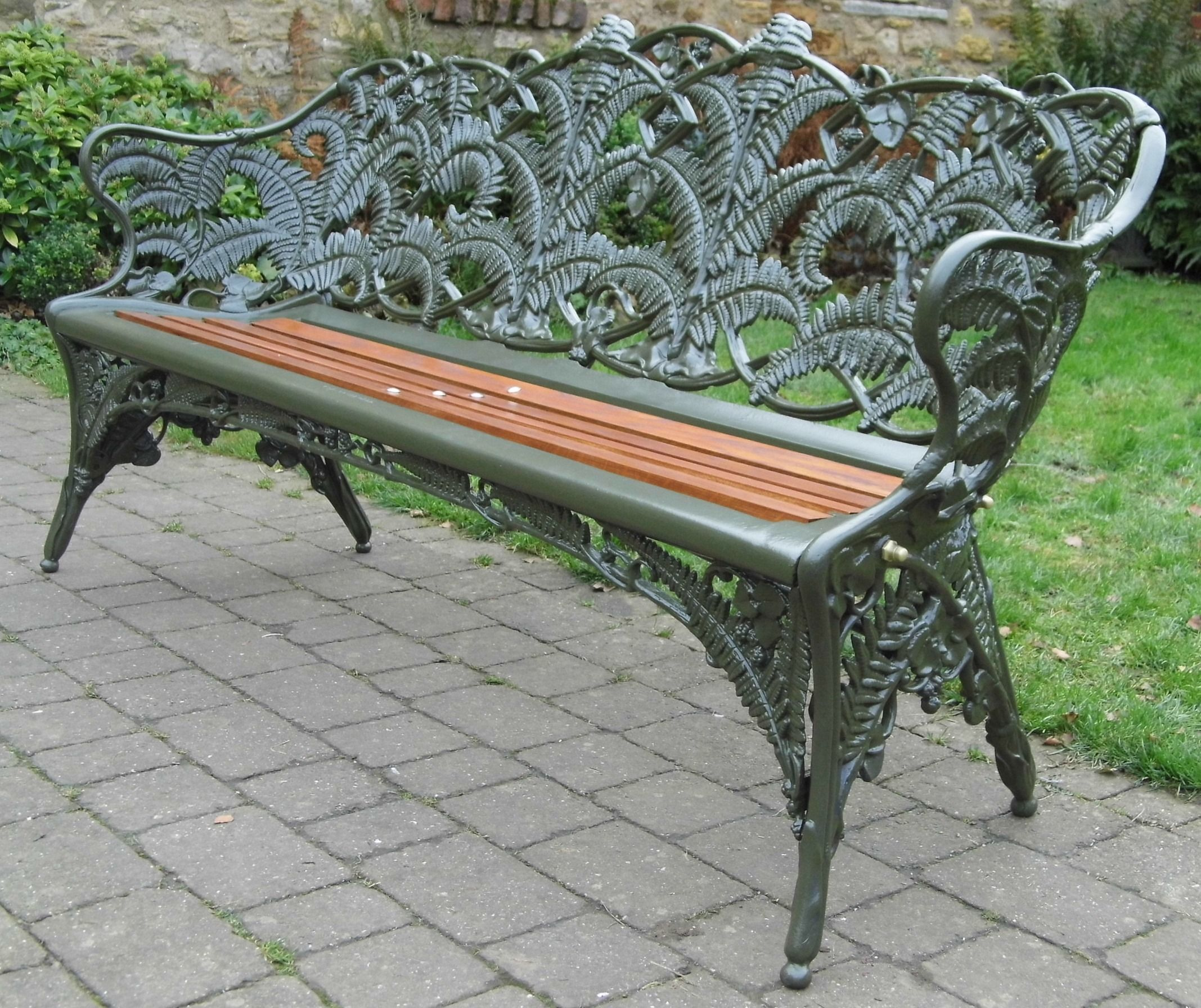 Coalbrookdale Fern And Blackberry Cast Iron Bench Fully Refurbished This Is A Super Rare Example Garden Bench Cast Iron Garden Bench Iron Bench