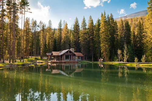 The setting around the house includes old-growth forest, streams and a horse pasture. There are also outdoor trails for mountain biking, horse riding, snowshoeing, skiing and fishing.