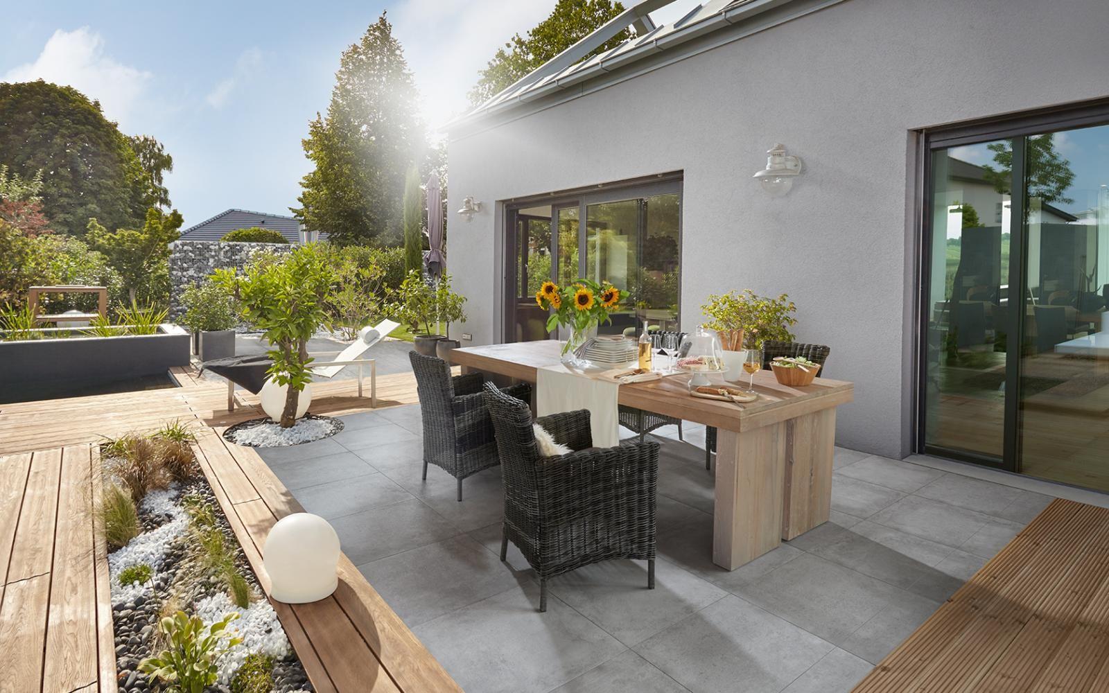 Beton   Aménagement jardin terrasse piscine, Patio en bois ...