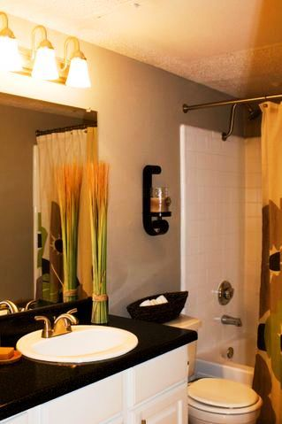 Manhattan Dallas Apartments Upgraded Bathrooms Interiors Pinterest And Flats