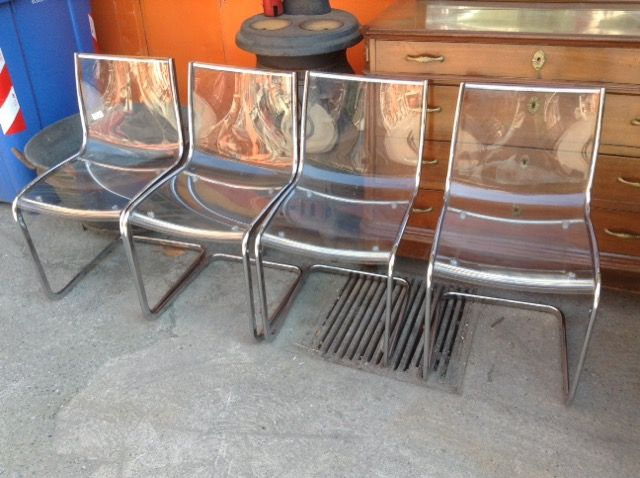 Set 4 sedie plexiglass niente di nuovo usato antichit for Sedie in plexiglass