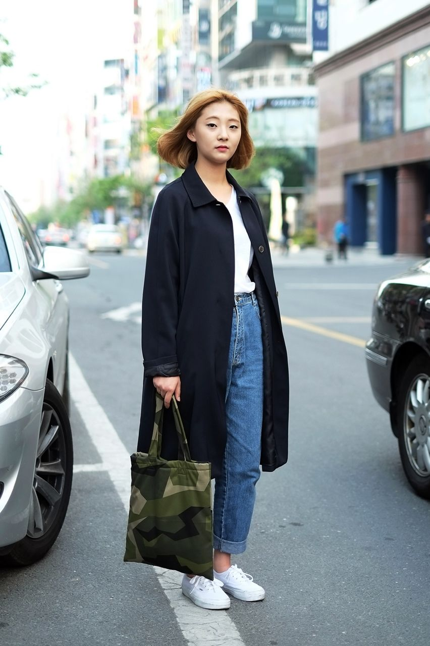 jeans // coat // sneakers // tote // short hair